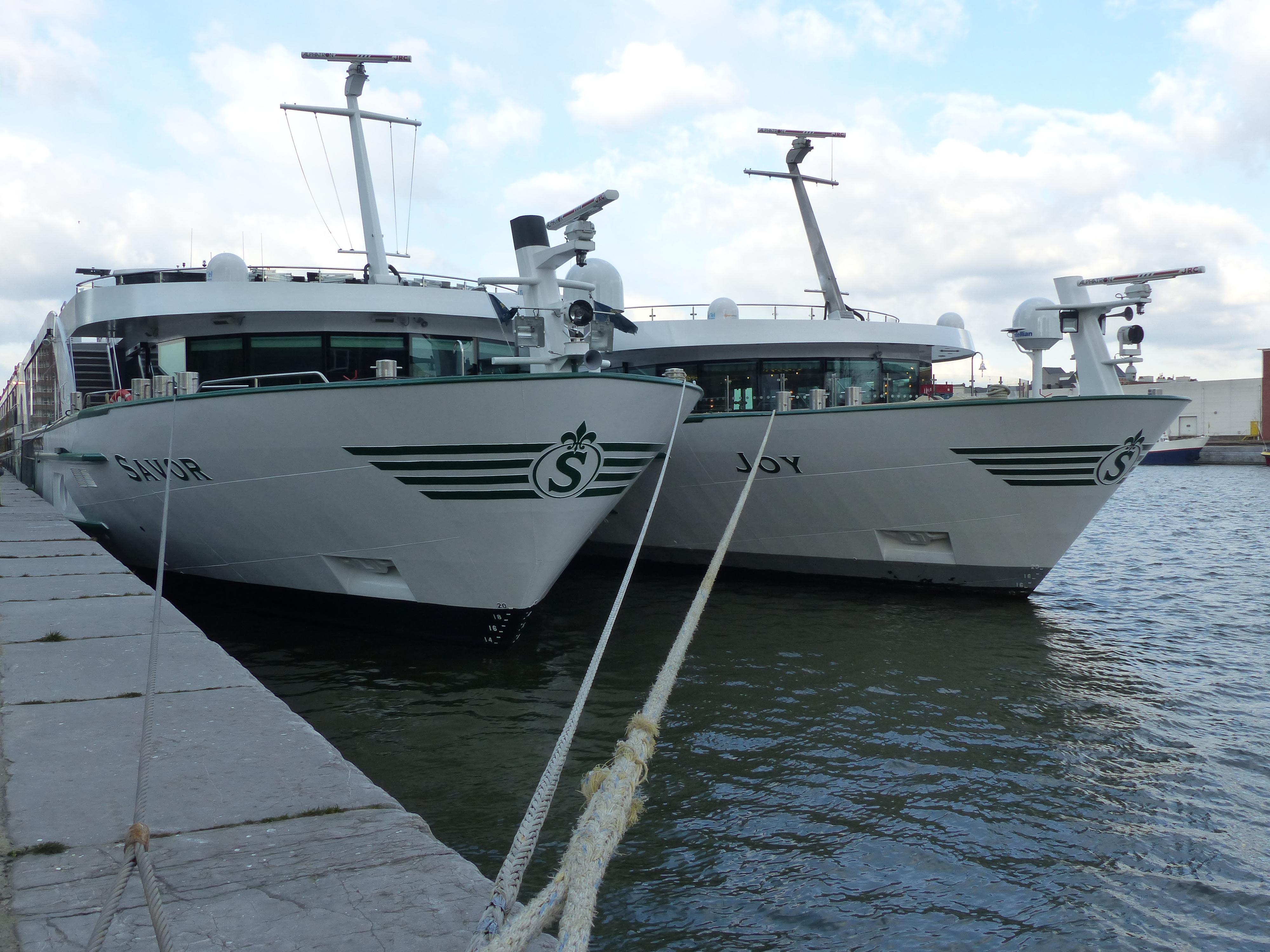 Signing Cruiseschepen door Korteland