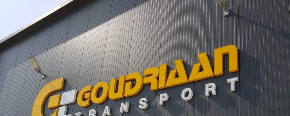 Korteland Reclame - Goudriaan Transport - signing nieuw bedrijfspand belettering gevelreclame