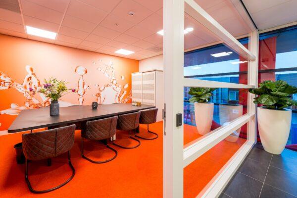 Korteland In- & Outdoor Signing verzorgt de signing bij Van Hoften Installatietechniek